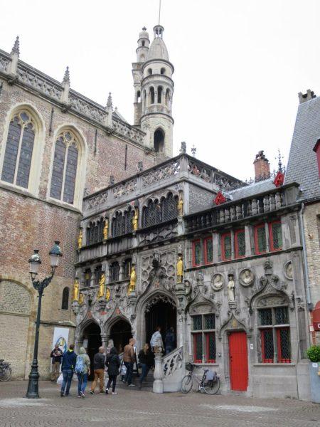 Visiter Bruges fauteuil roulant Burg Saint-Sang