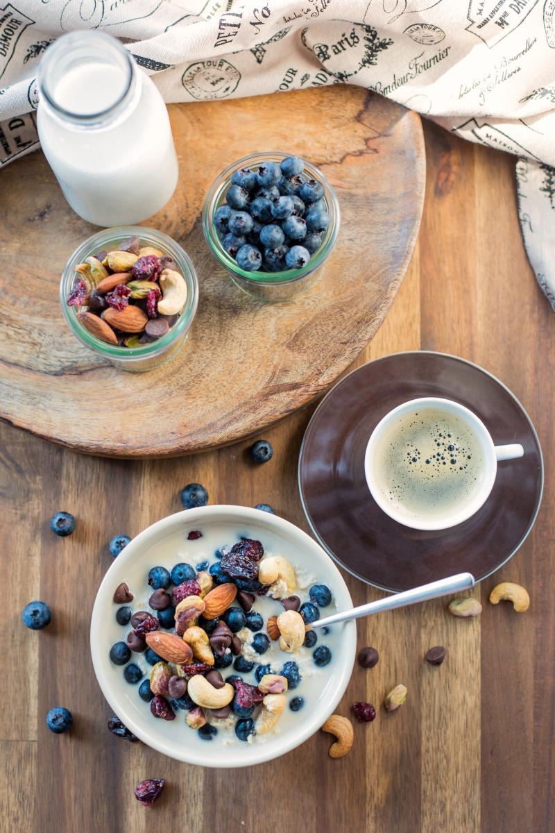 trail mix overnight oats