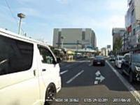 堺市の府道30号線でぞろ目のハイエースに襲われたドライブレコーダー。