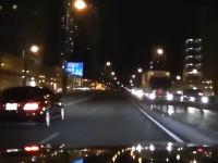 煽ってきた営業車を覆面パトカーの罠にかけるドライブレコーダー映像がイイネ多。