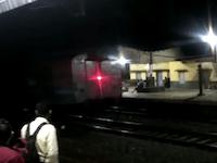 インドで機関車から切り離されてしまった客車が乗客を乗せたまま11キロメートル暴走。