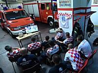 ワールドカップ。緊急出動で勝利の瞬間を見逃したクロアチアの消防士たちの映像が話題。