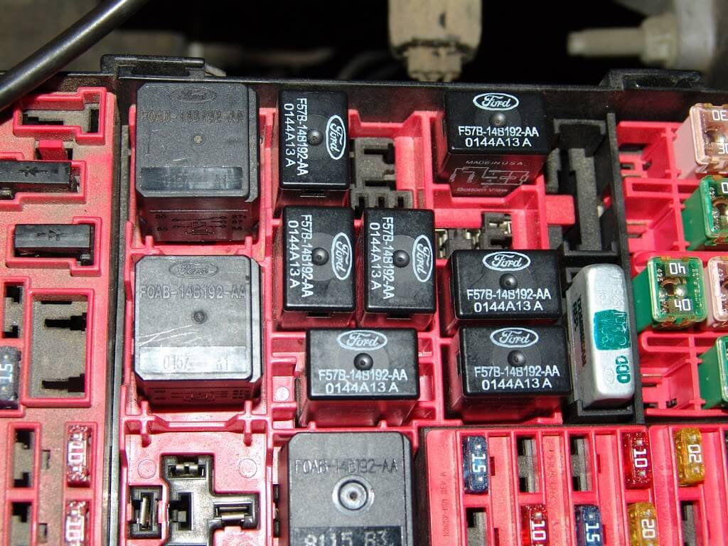 Editor pambazuka besides 2003 Mazda B3000 Fuse Box Diagram also P 0996b43f802e69a0 as well Pastend weebly as well 2000 Ford Excursion Ignition Fuse Blowing. on ford explorer pcm power procedure
