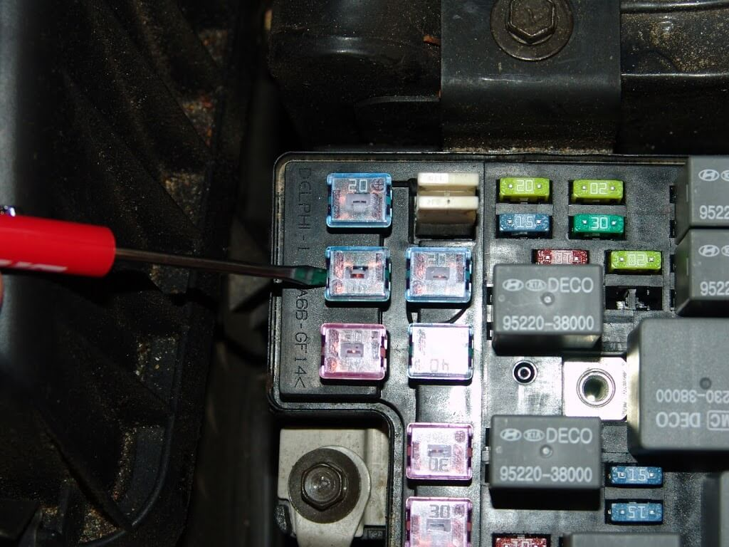 3651 moreover PBE Conqueror  mander moreover Dodge Ram Frame Vin Location additionally 1995 Acura Integra Interior Fuse Box Diagram moreover Larrera 4 Model 89 Sheet 2. on power window wiring diagram