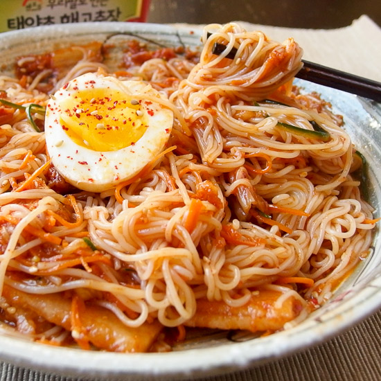 Bibim Naengmyeon – Korean spicy cold noodles