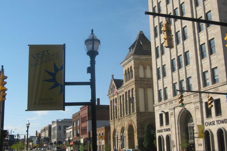 PAW, Downtown