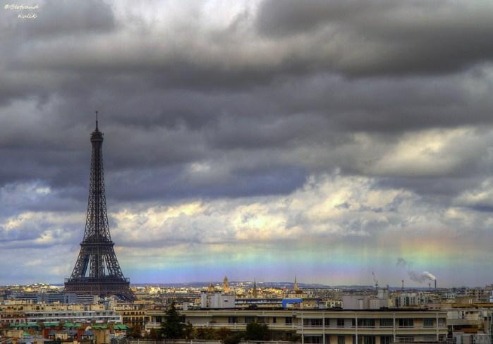 Horizon rainbow in Paris