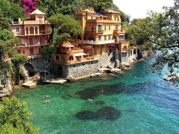 Dream House On The Water, Italy