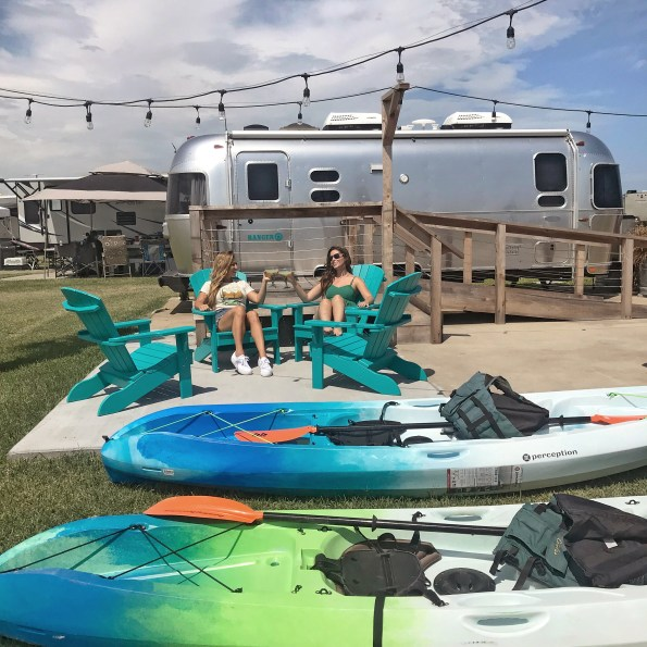 keto margaritas, camping, airstream, recipe, simple, 3 ingredient, ingredient, glamping, ideas, low carb, healthy, swerve, simple syrup, matagorda bay, rv park, texas, travel, places to stay, gulf coast, vacation, nature park, lcra