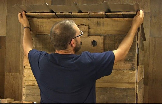 Attach Roof | Build A Homemade Pallet Smoker
