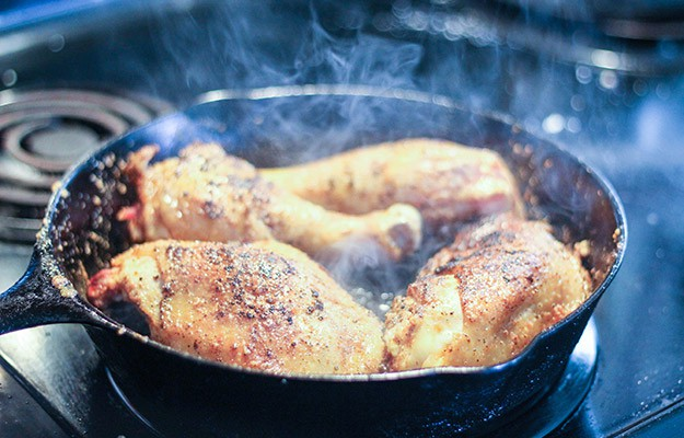 Cooking | 5 Must-Know Tips for Cooking with a Cast Iron Skillet