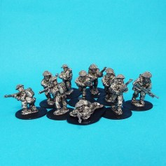 28mm late war british infantry wearing covered helmet and 37 pattern pack