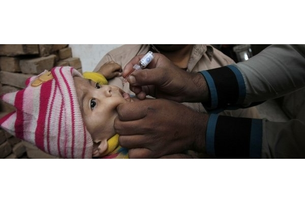 Campana-contra-la-polio-en-Pak_54421658131_51351706917_600_226