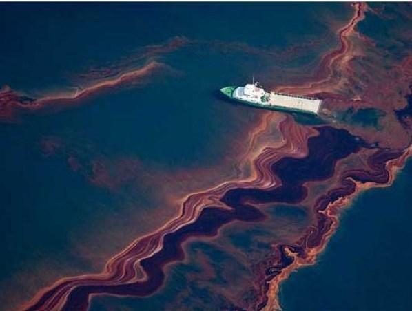1-gulf_oil_spill_aerial
