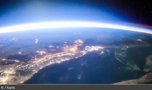 1-ISS-Earth-Orbit-Photos