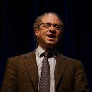 480px-Raymond_Kurzweil,_Stanford_2006_(square_crop)