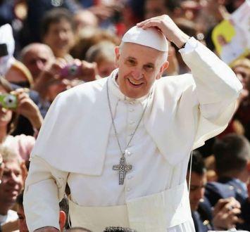 Ambasada e SHBA-së në Tiranë: Papa Francesku në Shqipëri si modeli i harmonisë fetare në Botë