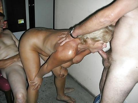 wife fucks strangers in bars