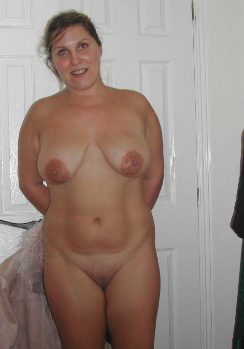 average girlfriend naked