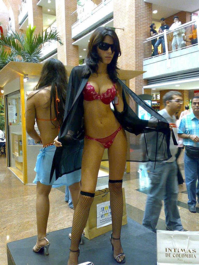 nudist body painting contest
