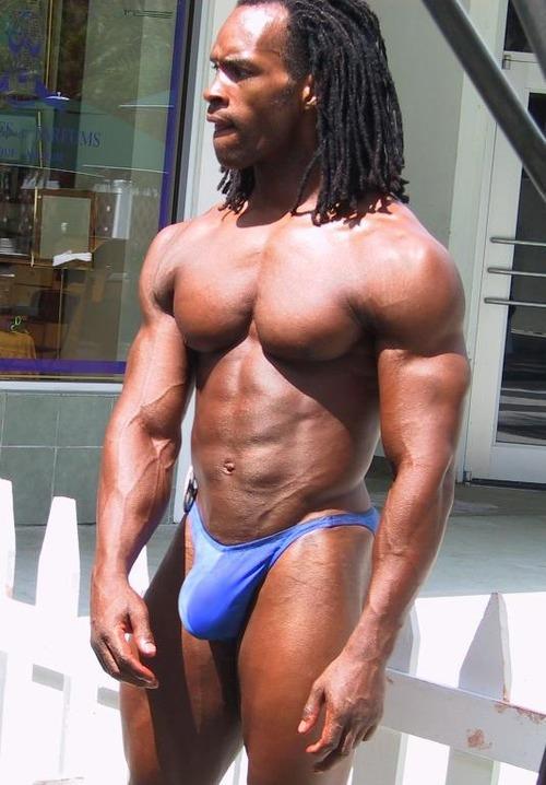 hung bulge