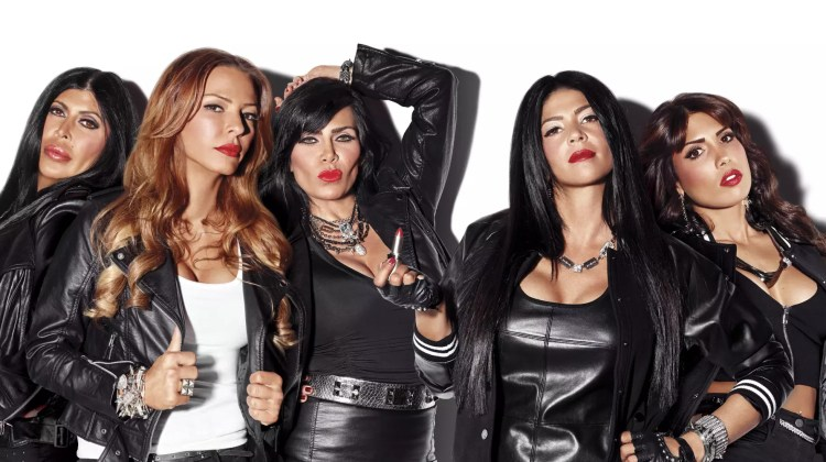 o-MOB-WIVES-NEW-BLOOD-facebook