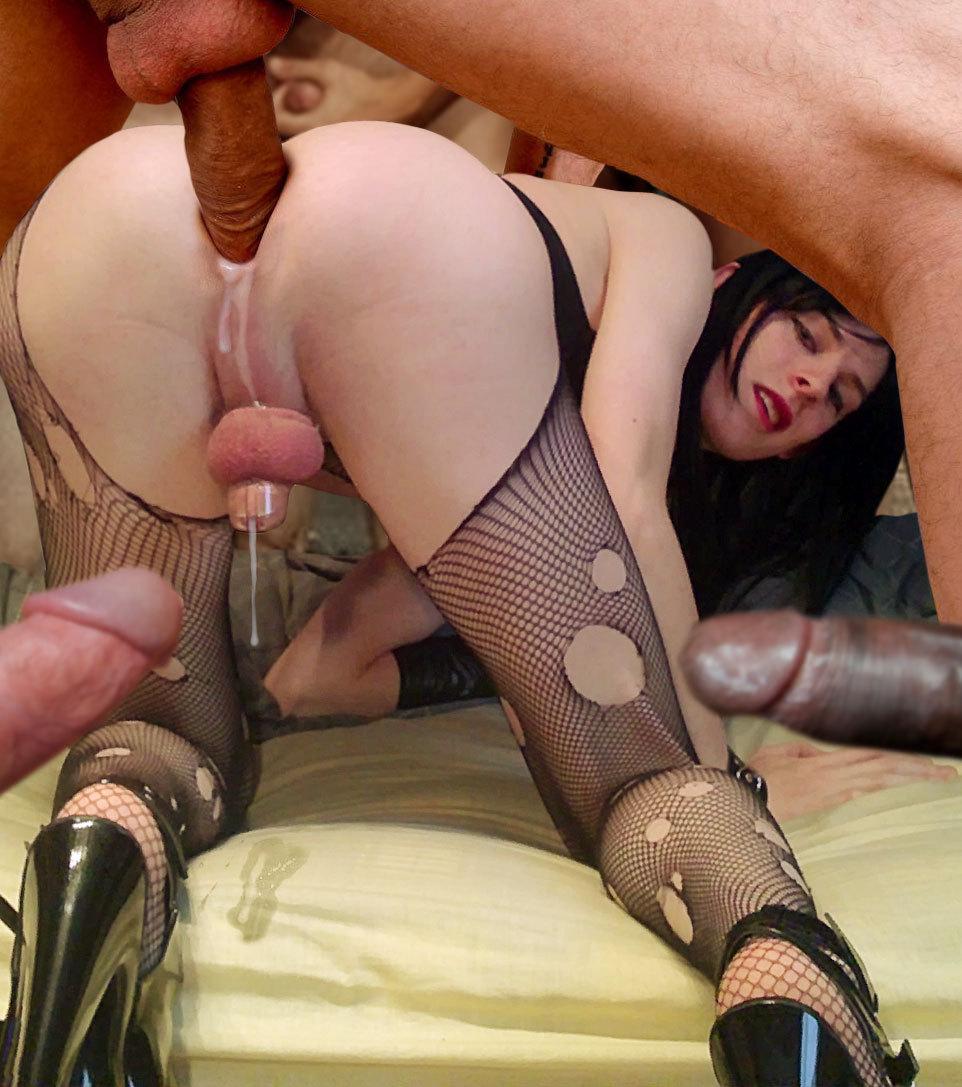 порно девушка трахает страпоном
