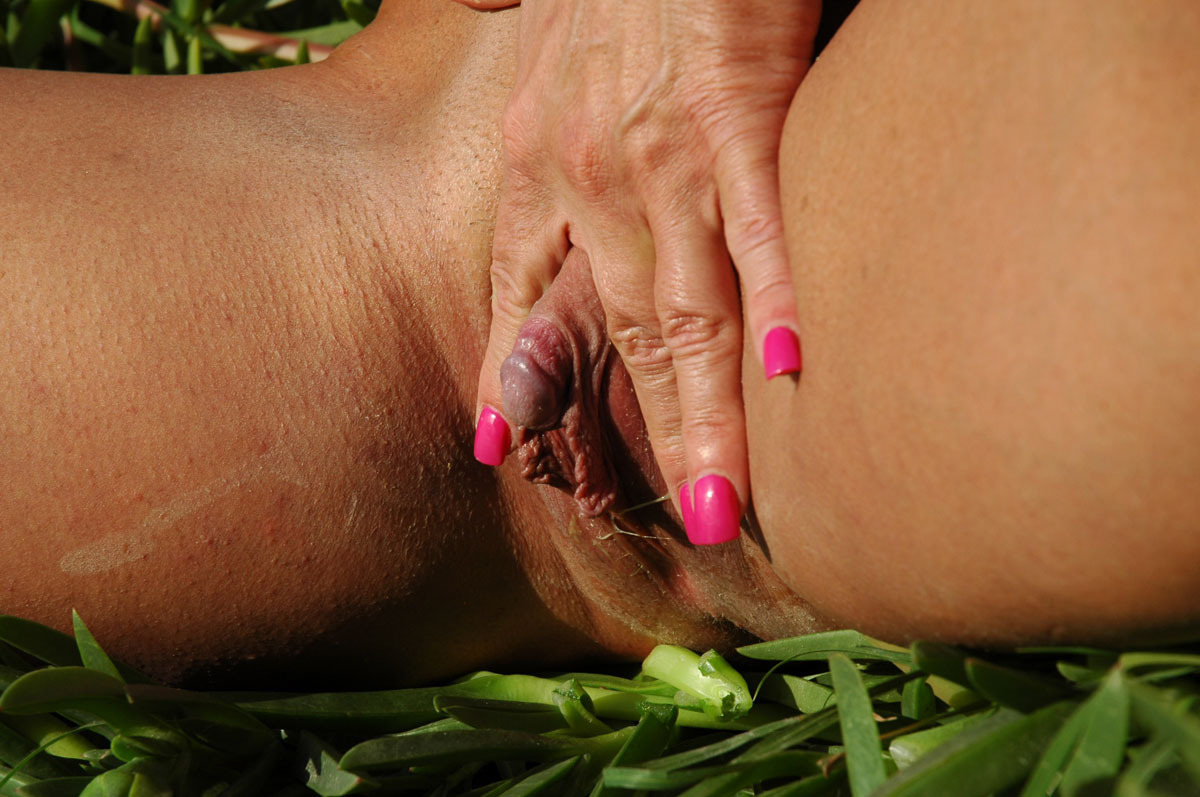 older women with fibrous clitoris