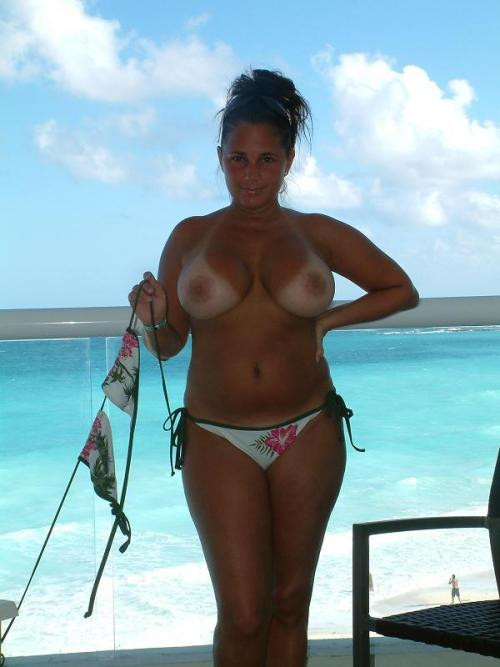 ex girlfriend on vacation topless