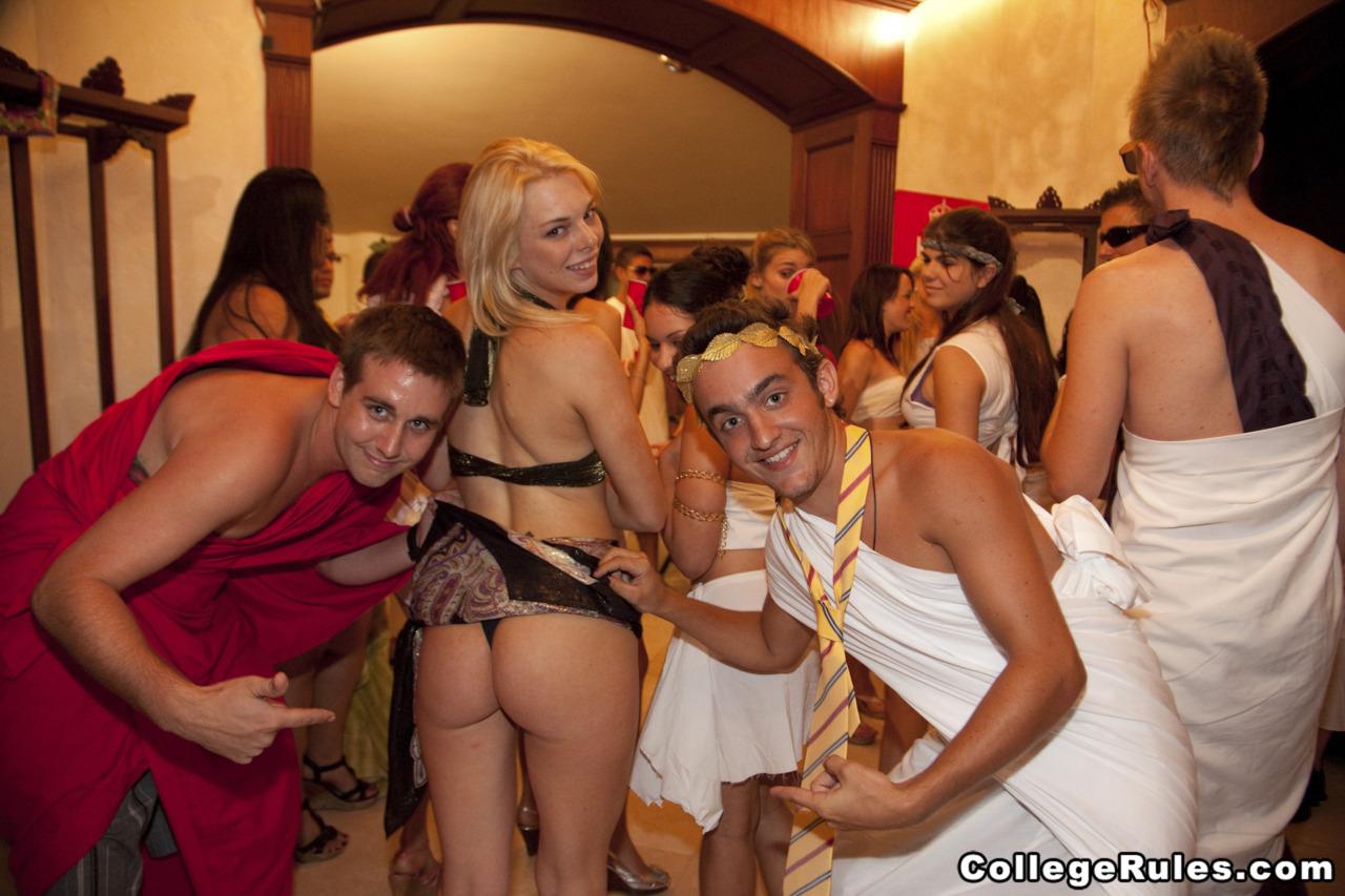 hot women in the jungle nude