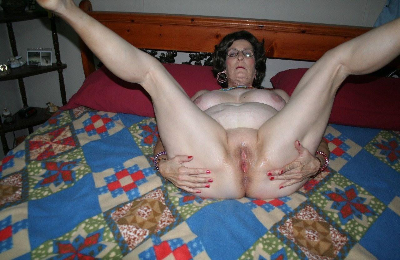 sexy girls boobs naked smoking weed