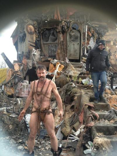 David Arquette shirtless, hairy chest