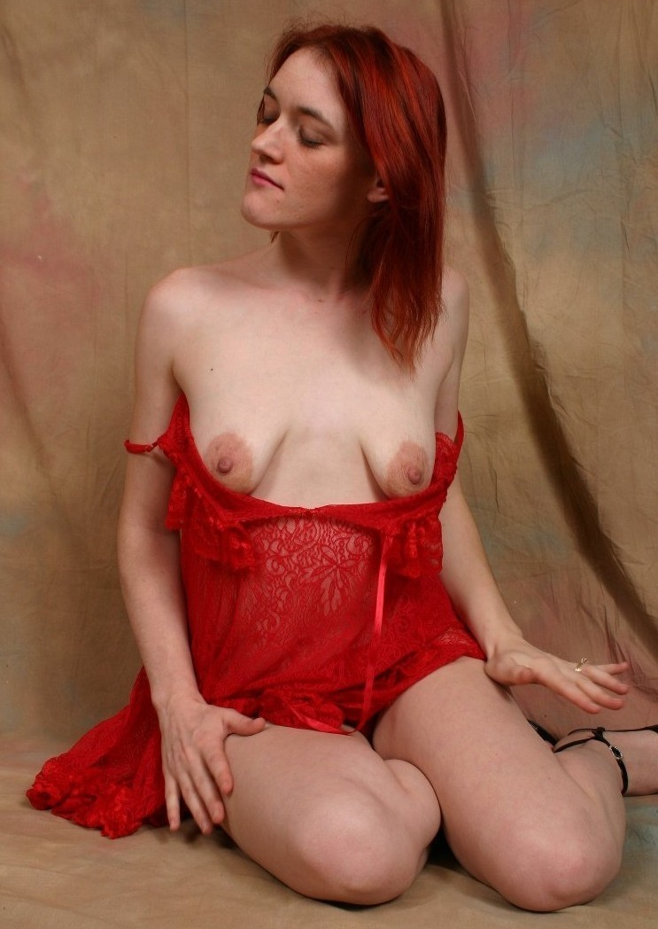 women big tits spread pussy