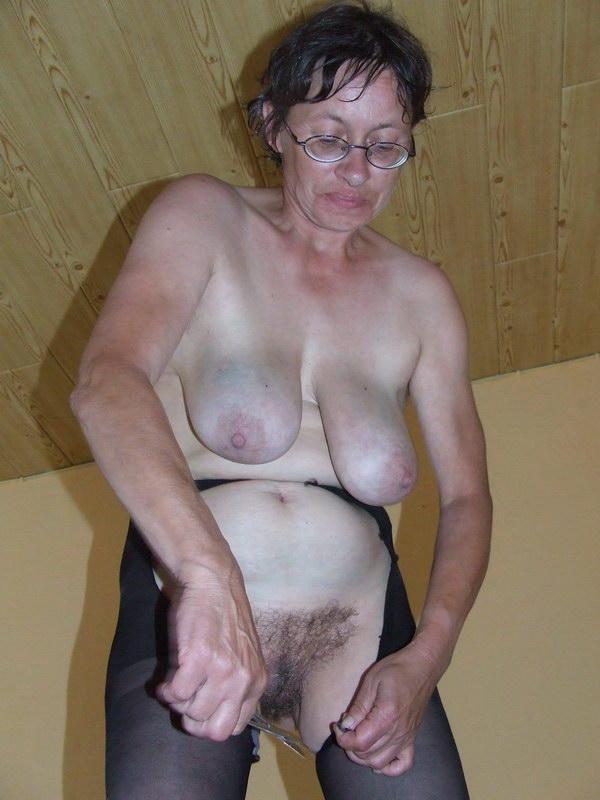 Oma saggy tits