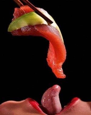 Sexo para parejas - comiendo sushi