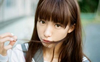 美少女モデル椎名ひかりちゃん オタを踏みつけるドSアイドルに・・・(画像)この娘どこに向かってんの(´・ω・`)
