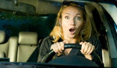 女の人が事故起こした瞬間 車載カメラ動画