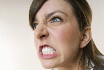 嫁が生理の時に吐いた俺への暴言 生理中の女性こわいお・・・(´・ω・`)