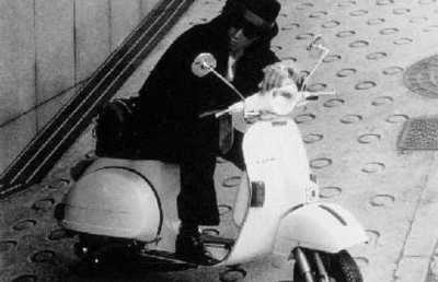 <画像>イタリア80年代スクーター「ヴェスパ」がオフィスチェアに素敵に変身