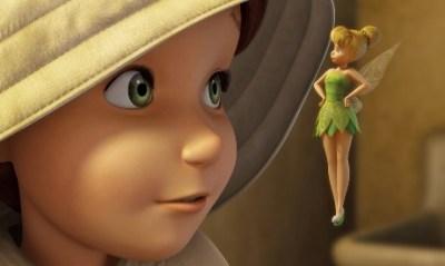 耳が聴こえない少女とティンカーベル ディズニースタッフの神対応<動画像>嬉しそうな少女の素敵な笑顔