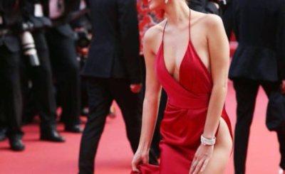 世界で最もセクシーな19歳のハミ毛 アンダーヘア激写<画像>ベラハディッド裸同然のドレスでカンヌ映画祭に登場
