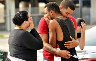 50人死亡クラブ乱射 フロリダ銃撃の容疑者特定<ご尊顔と現場の様子>イスラム国が犯行声明 テロの可能性