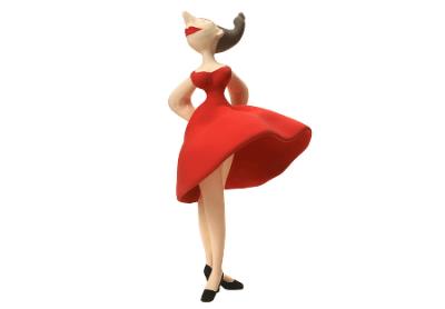 とんでもない素材で作られた絶対に着たくないドレス<画像>世界一不快なドレスが話題