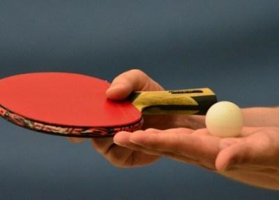 「えっ?両手がなくても卓球できるの?」 ⇒