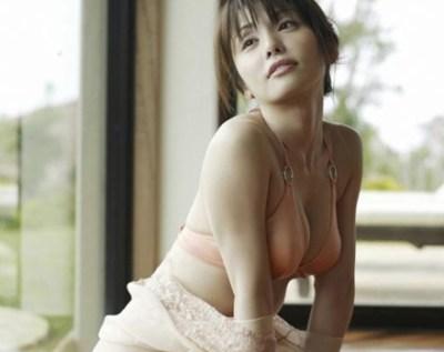 35歳でもイケてるバニーガール姿<画像>森崎友紀とかいうエロくて料理うまくて可愛い最高の嫁