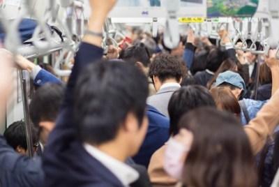 【朗報】満員電車でゲロ吐いた結果