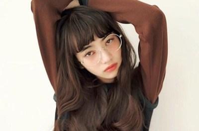 【いまどき女子】真っ赤な口紅に丸いメガネ<画像>韓国風メイク流行りすぎじゃね?