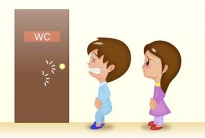 【論争】トイレ行列で泣きそうな女児に「お先にどうぞ」→賛否両論の大議論に