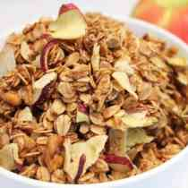 Apple Crisp Granola 670x447|2CookinMamas