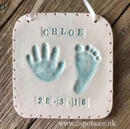 Stamped imprint with imprinted dotted border
